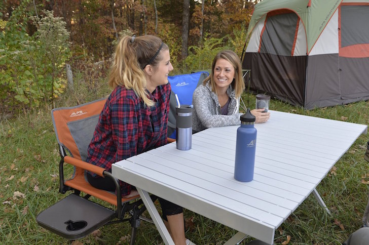ALPS Mountaineering Dining Table With No Side Supports Unpack